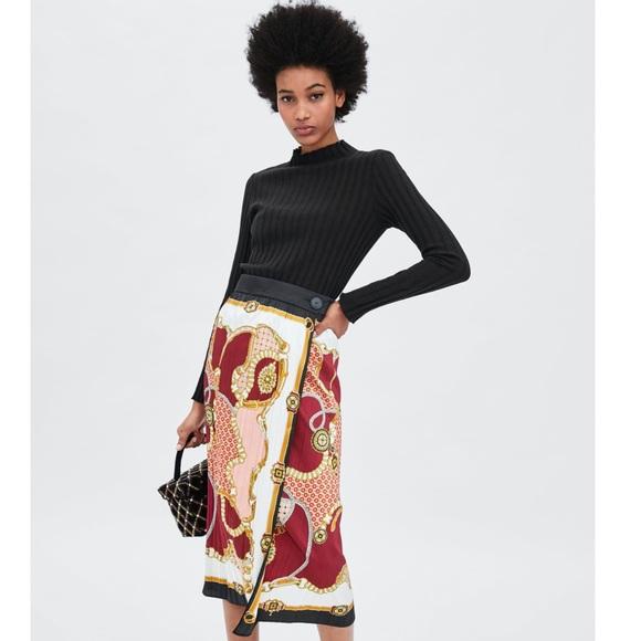 172d5fb14 Zara Skirts   Chain Print Skirt   Poshmark